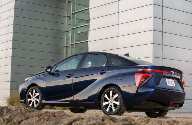 Toyota Mirai, водородомобиль