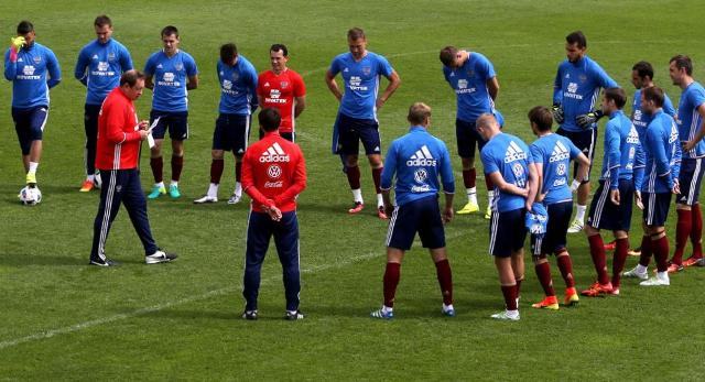 петиция о роспуске футбольной команды, российская футбольная сборная, позор российская сборная по футболу