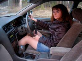 правый руль, автомобиль с правым рулем, запрет правого руля, запрет праворульных автомобилей, почему запрещают правый руль, голосование за инициативу о запрете правого руля, против инициативы о запрете ввоза авто с правым рулем, левый руль, автомобили с левым рулем, Вячеслав ЛЫсаков, запрет правого руля в россии, автомобили с правым рулем запрет, запрет правого руля в россии в 2016, запрет правого руля в россии в 2017