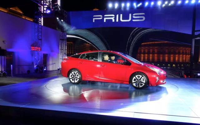 Toyota Prius, Toyota Prius 2018, prius price, prius цена, toyota prius комплектация, новый prius, Toyota Prius 2018 интерьер, Toyota Prius экстерьер, что нового в новой модели prius, #prius, #toyota_prius, prius купить, toyota prius купить, prius характеристики