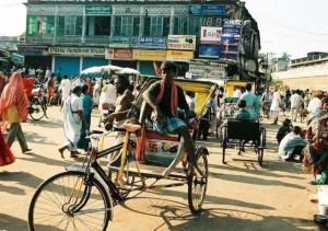 India roads, traffic rules in India, how to travel in India