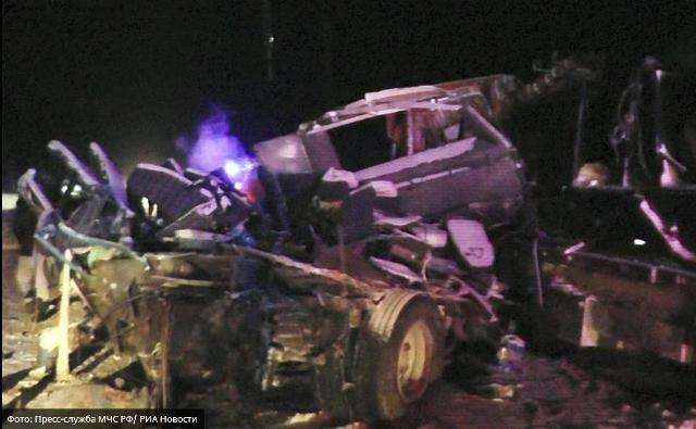 происшествия, авария с пассажирским автобусом, ДТП ханты-Мансийск, авария в Югре, авария ан трассе, авария с детьми, перевозка детей авария, страшная авария в Ханты-Мансийском автонмном округе, что случилось с детьми на трассе Тюмень - Ханты-Мансийск, последние подробности аварии с пассажирским автобусом в Ханты-Мансийске, сколько выжило в аварии автобуса с фурой