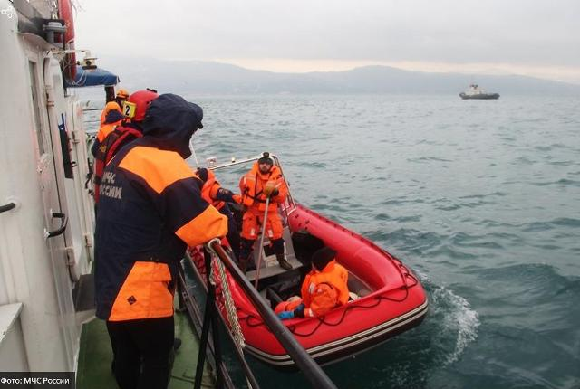 катастрофы, упал самолет, Ту-154, рухнул лайнер Ту-154, трагедия Ту-154, трагедия Сочи, упал самолет в Сочи, ансамбль им. Александрова разбился, кто был на борту Ту-154, список погибших Ту-154, катастрофа Ту-154 Черное море