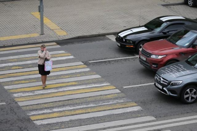 punishment for non-admission of pedestrians, non-admittance of pedestrians, Administrative Code of the Russian Federation, pedestrians, pedestrian traffic, pedestrian crossing, pedestrian crossing on zebra, increase in traffic fines, increase in penalties of the Administrative Code of the Russian Federation